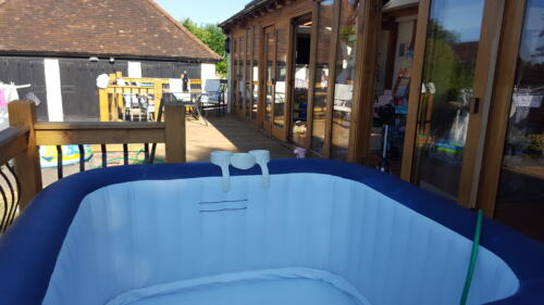 Hot tub in Kensworth